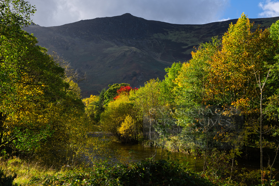 Autumn colour Grange Bridge